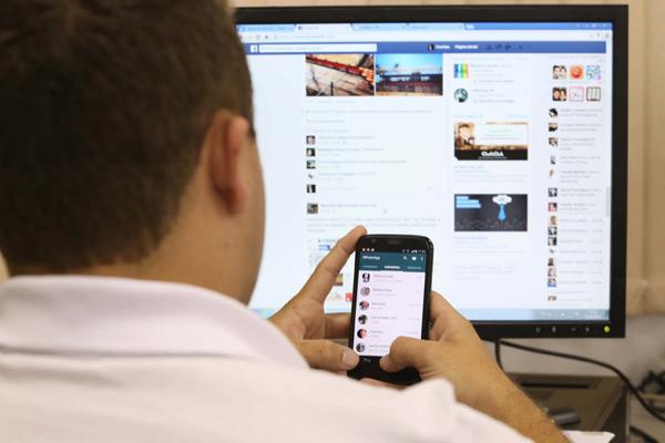Muito além de curtidas e compartilhamentos! Especialistas falam o que está em jogo nas redes sociais!