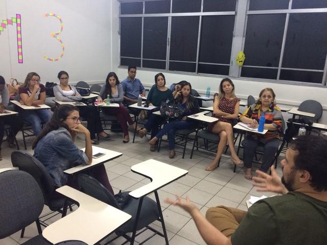 Sindicato conversa com alunos de pós em Assessoria de Comunicação sobre regulamentação profissional
